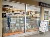 Schaufensterdeko mit Glasdekor-Elementen